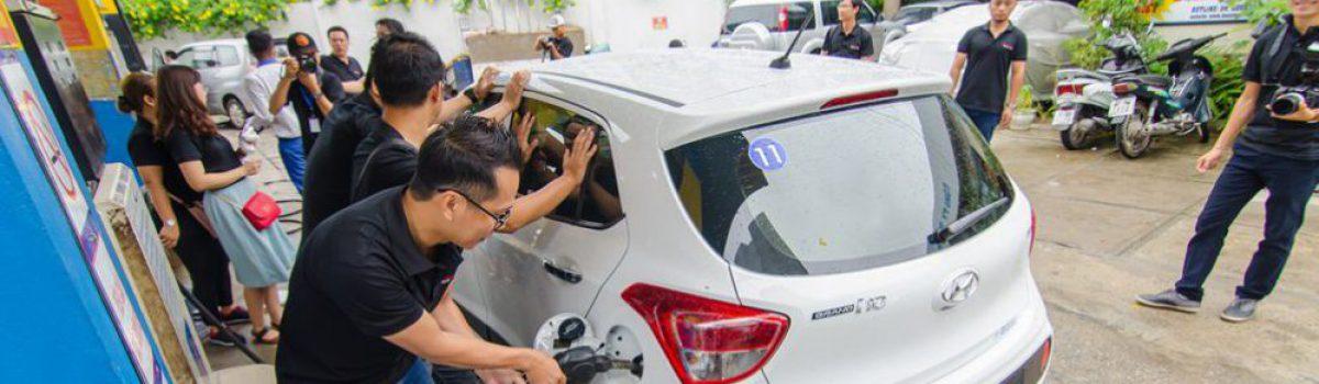Chỉ cần hơn 3,7 lít xăng( 66 nghìn VNĐ), Hyundai Grand i10 2017 đi được 100km.