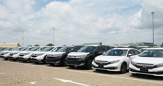 Ôtô nhập khẩu về Việt Nam đạt mức kỷ lục